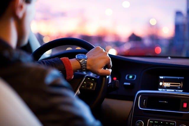 בזמן נהיגה