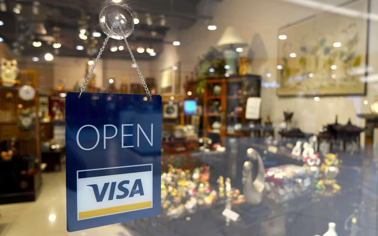חברת אשראי פותחת סניף